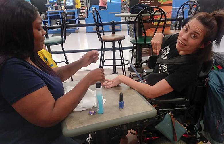 Walmart Employees to the Rescue When Nail Salon Refuses Woman